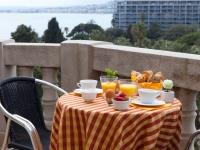 Hôtel Albert 1er - Petit déjeuner sur la terrasse