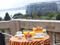 Albert 1er Hotel - Breakfast on the terrace